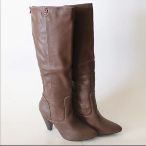 New In Box Brown Boots